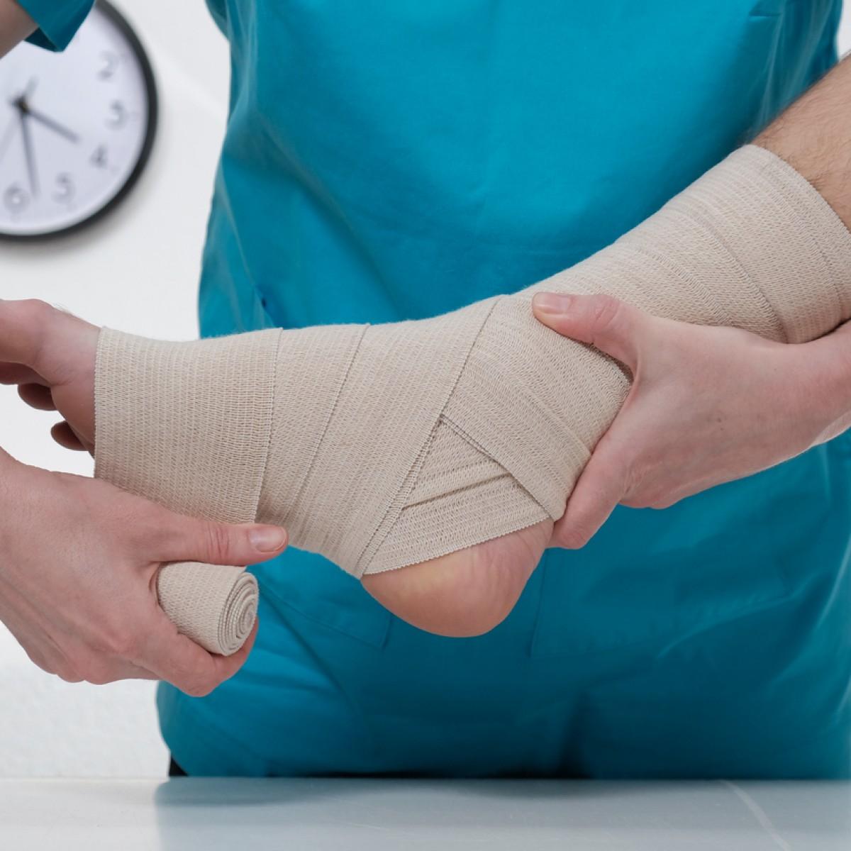 Cuidado de lesiones asociadas a presión sostenida